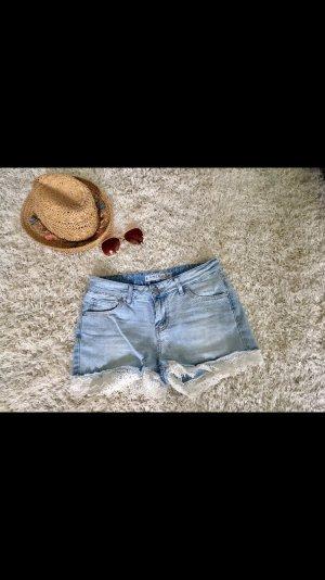 Shorts Jeans Hose Jeansshorts S weiß blau hellblau Spitze Neu Sommer Strand