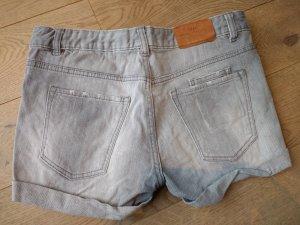 Shorts Jeansshorts kurze Hose hellgrau Gr. 28