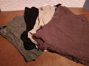 Shorts kurze Hosen 4 Stück