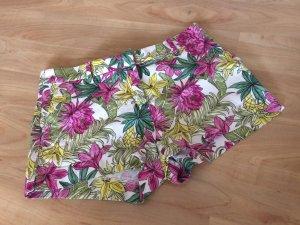 Shorts mit Blumen von H&M