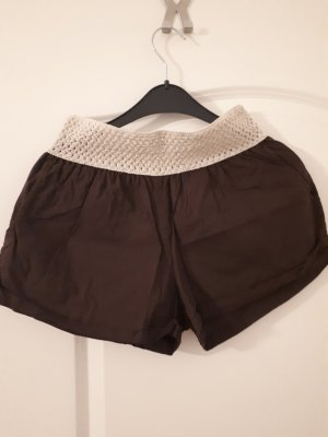 Shorts mit durchbrochenem Bund
