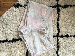 Shorts mit floralem Muster