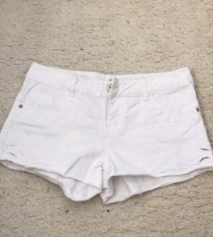 Shorts mit Muster in weiß