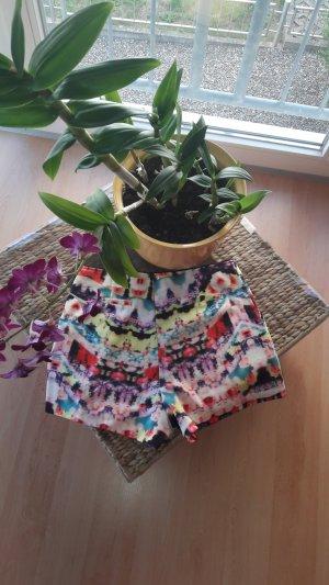 Shorts mit Muster und Tasche