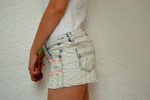 Shorts mit neon Muster :)