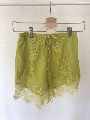 Shorts mit Spitzendetails