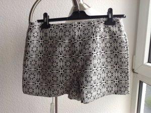 Shorts mit Spitzenmuster