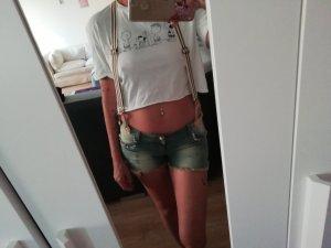 Shorts mit Trägern neu