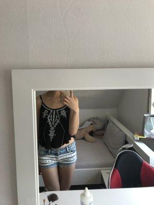 Shorts mit weiße Spitze