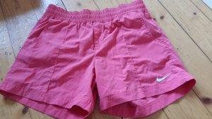 Shorts Nike rot mit Seitentaschen
