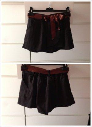 Shorts schwarz mit Gürtelbändchen wie neu