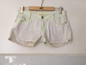 Shorts von Oranged'on in hellgelb