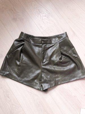 Shorts von Zara Basic in grüngrau Gr. M