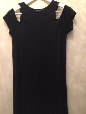 Shouldercut T-Shirtkleid