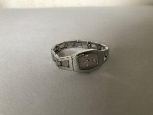 sieben Uhr von fossil