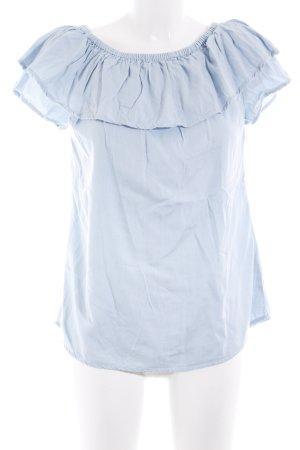 Sienna Camisa tipo Carmen azul celeste look casual