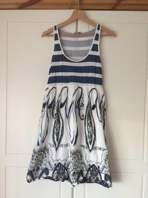Sienna Sommerkleid mit auffälligen Muster