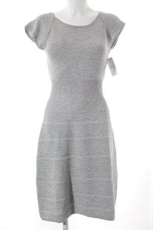Sienna Abito di maglia grigio puntinato stile romantico