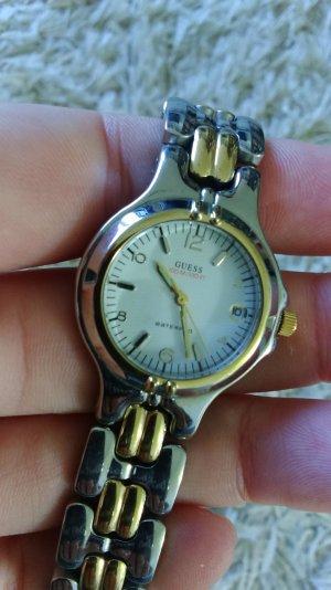 silber-goldene Damenuhr von GUESS mit Metallband edel