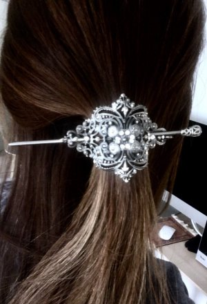 Headdress silver-colored