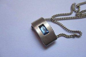 Silber Kette + Silber Anhänger mit blauen Stein