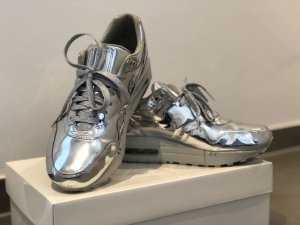 Silber Nike air Max liquid One Silver