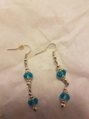 Silber-Ohrringe mit blauen Steinchen mit Silber-Details