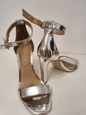 Silbere Sandalen