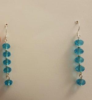 Silberfarbende Ohrhänger mit türkisen Steinchen (Selbstgemacht)