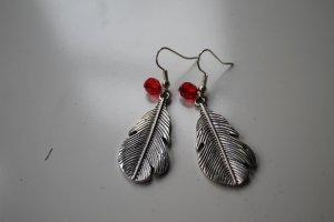 Silberfarbende Ohrringe