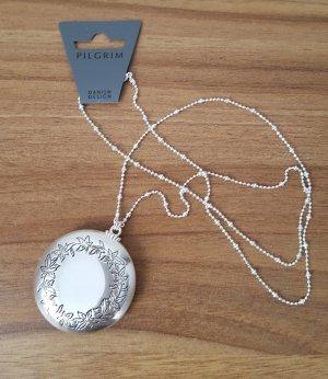 Silberfarbene Medaillonkette von PILGRIM, NEU
