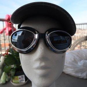 Silberfarbene stylische Kabrio-  / Motorradbrille