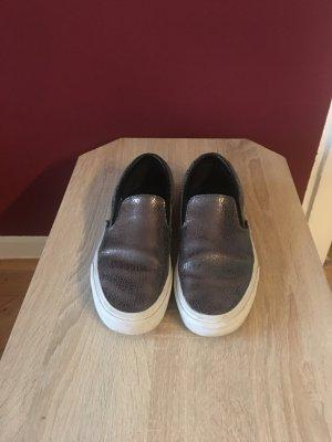 Silberfarbene Vans Slipper
