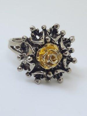silberfarbener Ring mit kl. goldfarbener Rose