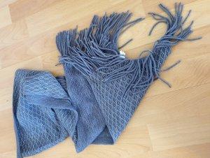 Écharpe en tricot argenté-gris
