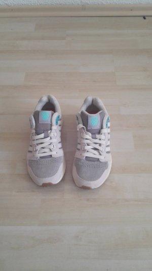 Silbergraue Sneaker K-Swiss