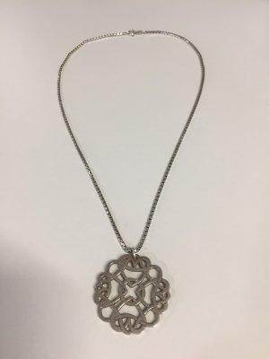 Silberkette mit antikem Anhänger