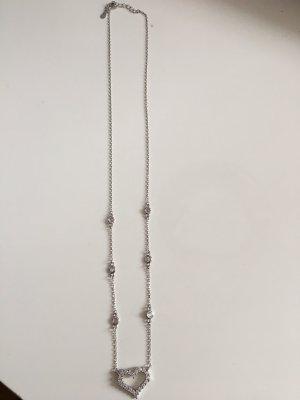 Silberkette mit Herzanhänger und Steinchen