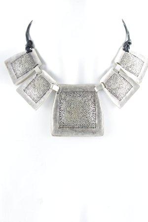 Zilveren ketting zwart-zilver gestippeld patroon extravagante stijl