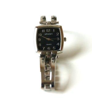 silberne Armbanduhr mit schwarzem Ziffernblatt