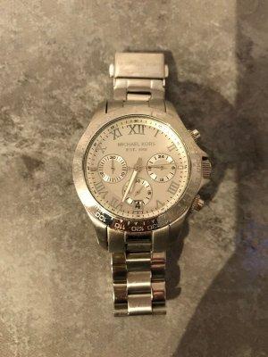 silberne Armbanduhr von Michael Chors