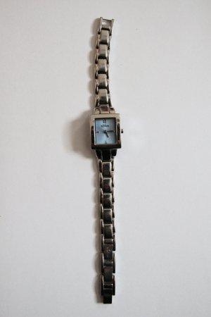 Silberne Armbanduhr von s.Oliver