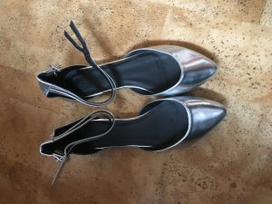 Silberne Ballerinas neu