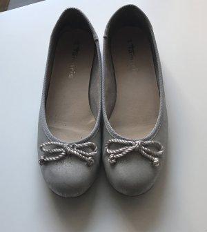Silberne Ballerinas von Tamaris Größe 40