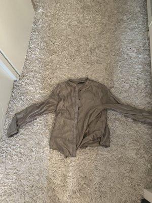 Silberne Bluse