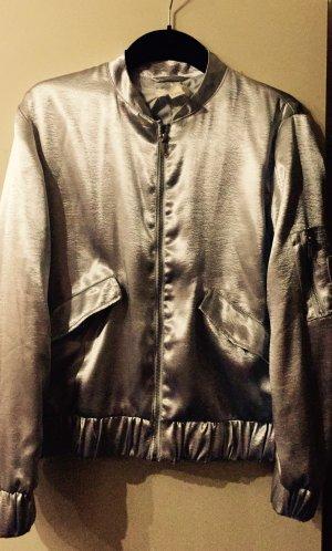 Silberne Bomberjacke von H&M