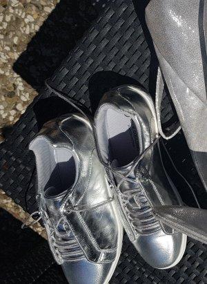 Silberne Boots , silberne Schuhe Neu ungetragen Sneaker