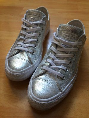 Silberne Chucks von Converse
