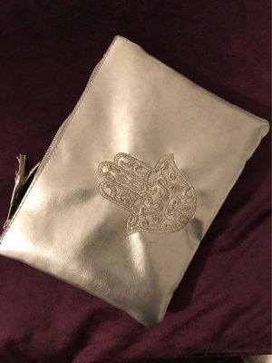 Silberne Clutch mit Hand der fatima