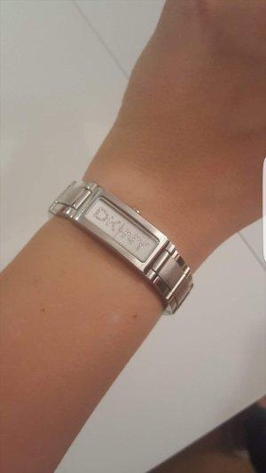 Silberne Damenuhr von DKNY